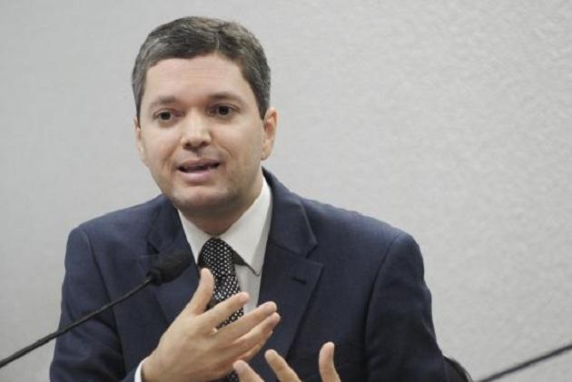 Brezilya'daki geçici hükümetten yeni istifa
