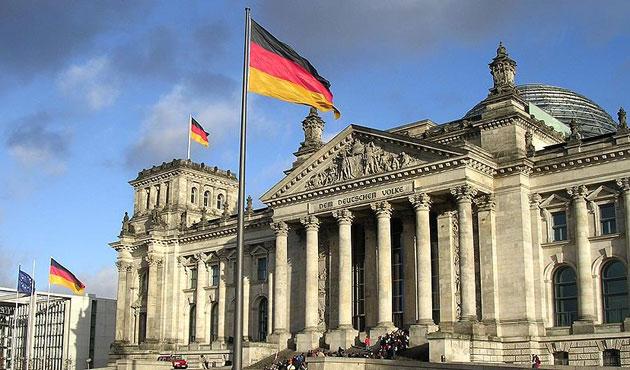 Alman yetkililer sığınmacı saldırılarından endişeli