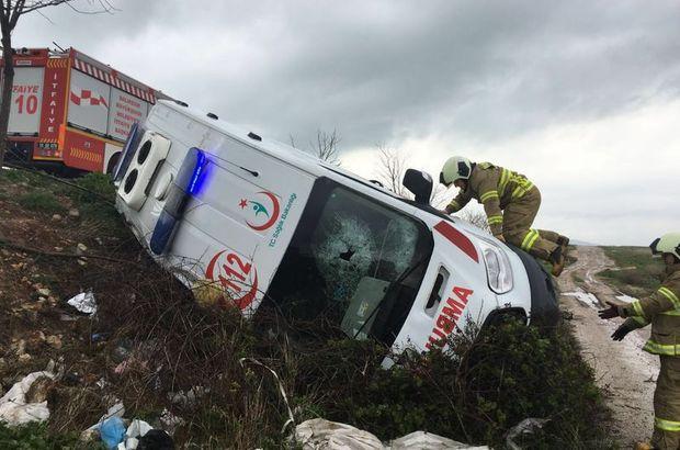 Muş'ta ambulans devrildi: 1 ölü, 4 yaralı