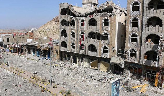 Yemen hükümeti Aden'de kalacak