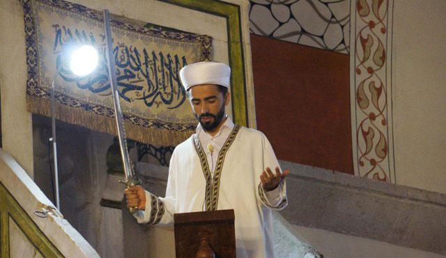 Kılıçla hutbe geleneği 6 asırdır sürüyor