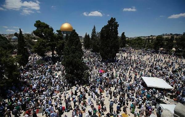 Ramazan'ın ilk cumasında 100 bin kişi Mescidi-i Aksa'daydı