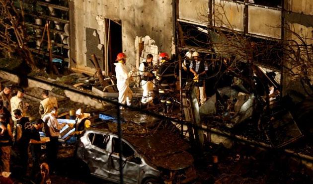 Beyrut'ta bomba yüklü araçla saldırı