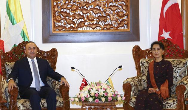 Bakan Çavuşoğlu Myanmar'da