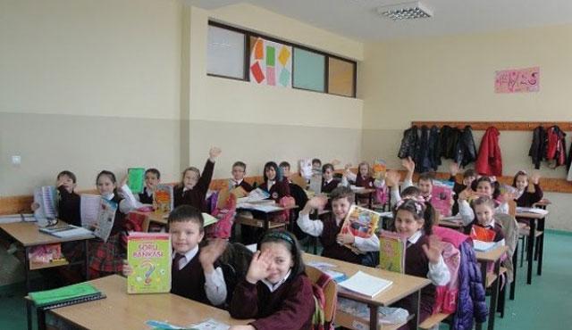 Kosova'da Türkçe eğitime yoğun ilgi