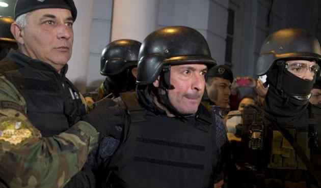 Arjantin'de manastıra para saklayan eski bakan tutuklandı