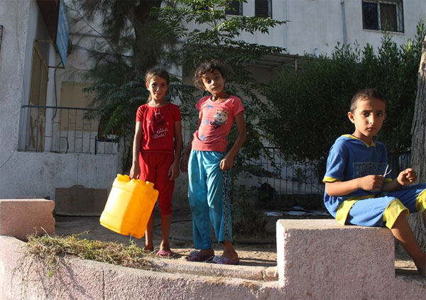 İsrail, Filistinlilerin suyunu kesti