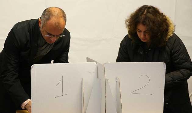 Avustralya'da oy sayımı sürüyor