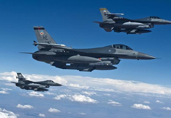 Rusya ile ABD uçakları Suriye'de karşı karşıya