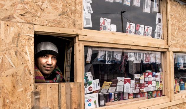 Calais mülteci kampı, şehrin ekonomisini canlandırdı