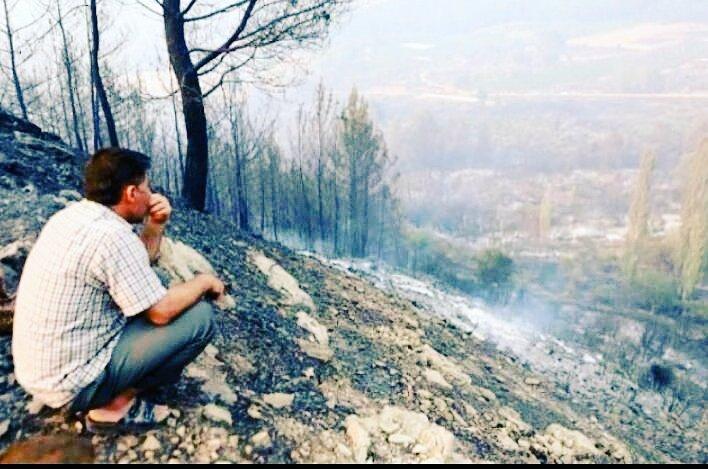 Kumluca yangını sürüyor, halk evlerini boşaltıyor