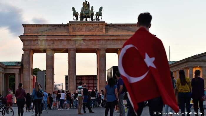 Berlin'den İstanbul'a dayanışma mesajı