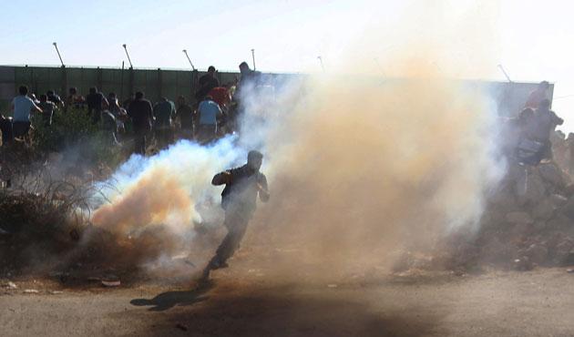 İşgal güçlerinden Mescid-i Aksa'ya girişte müdahale