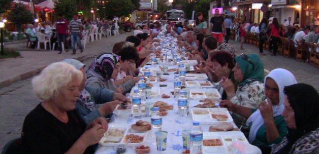 Müslümanlar ve Hristiyanlar iftarda buluştu