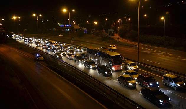 TEM Otoyolu'nda bayram trafiği