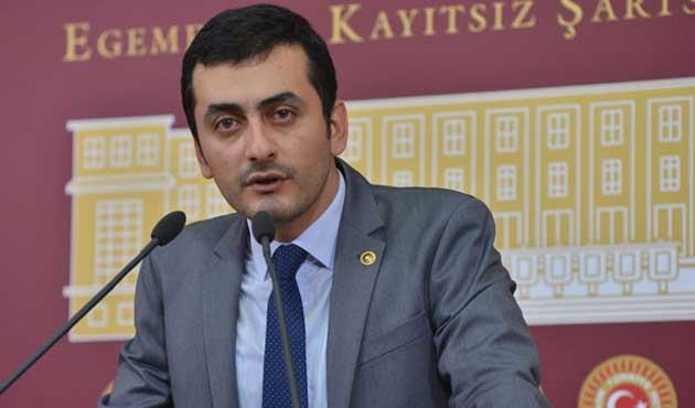 CHP'li vekil uçaktan indirildiğini iddia etti