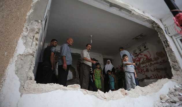 İşgal güçleri Filistinlilerin evlerini yıktı