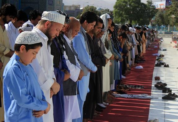 İslam dünyası Ramazan Bayramı'nı kutluyor | FOTO