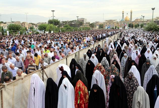 İran'da bayram namazı tartışması meclise taşınıyor