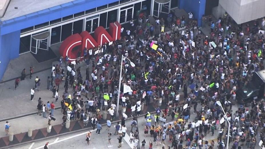 'CNN ulusumuzu dünyada çok kötü temsil ediyor'