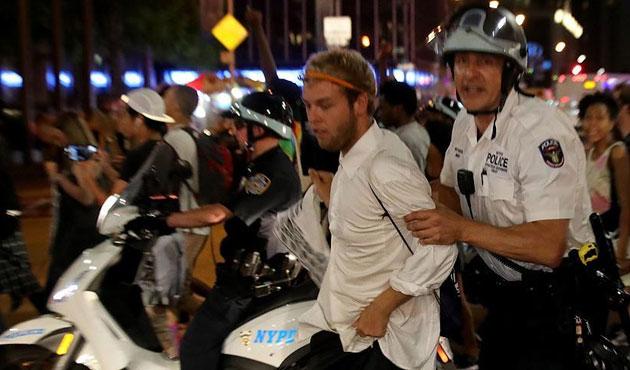 ABD'de polis şiddeti sürüyor