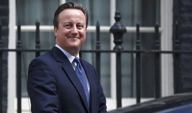 'Cameron gazetecinin kovulmasını istedi' iddiası