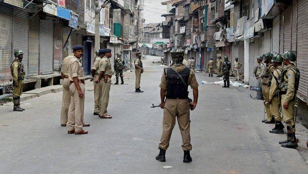 Keşmir'de protestolar sürüyor