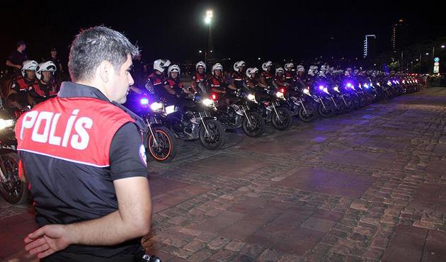 İzmir'de 660 polisli asayiş uygulaması: 159 gözaltı