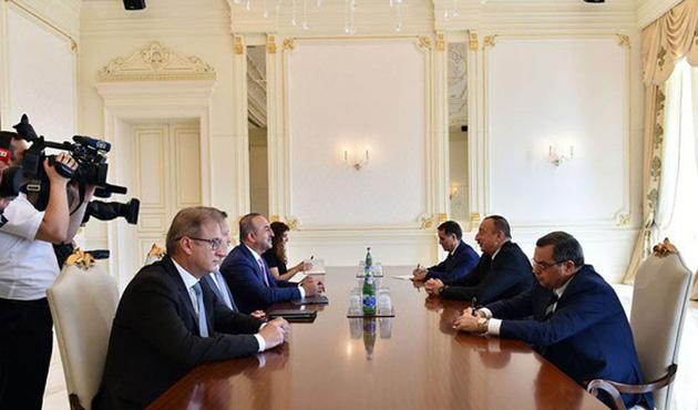 Çavuşoğlu Azerbaycan'da Aliyev'le görüştü