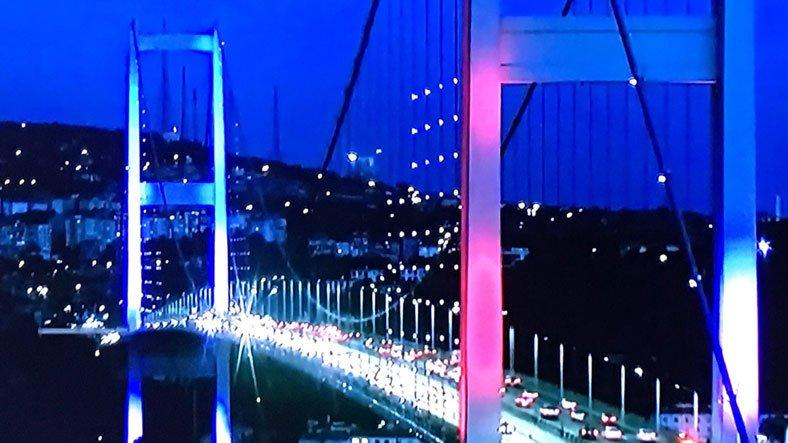 Boğaziçi Köprüsü'yle Fransa'ya destek