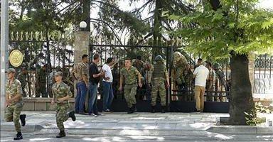 Genelkurmay'daki 200 asker teslim oldu