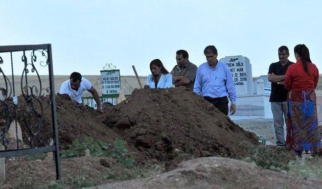 HDP'li vekil PKK'lı cenazesinde