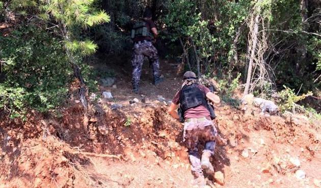 Suikast timini yakalayan personele ödül