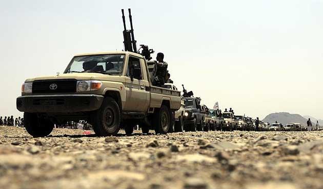 Yemen'de Husilerin mühimmat deposu vuruldu