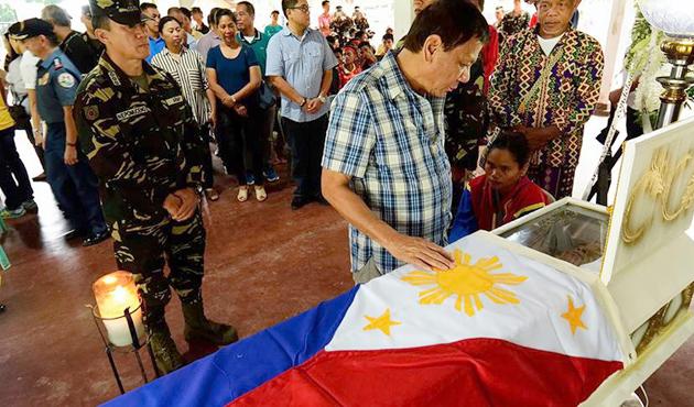Filipinler'deki komünist isyancılardan tek taraflı ateşkes