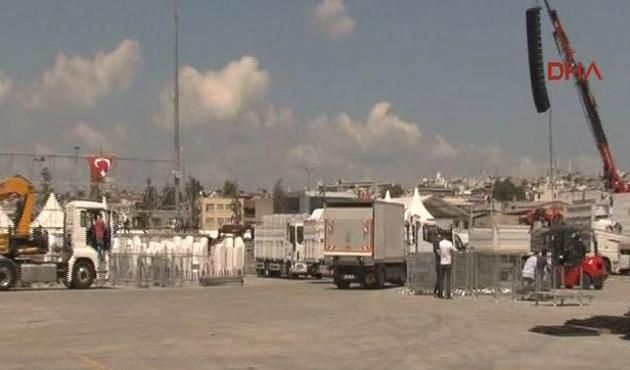 Yenikapı'daki dev miting için yoğun hazırlık