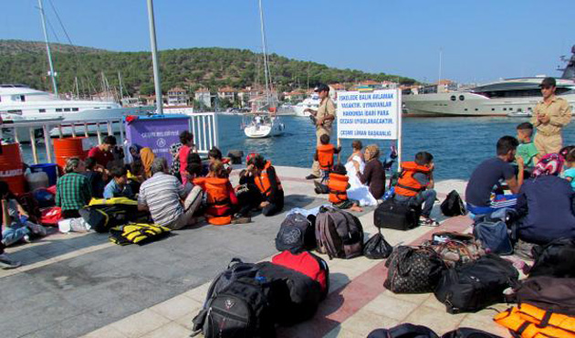 Çeşme açıklarında 68 mülteci yakalandı