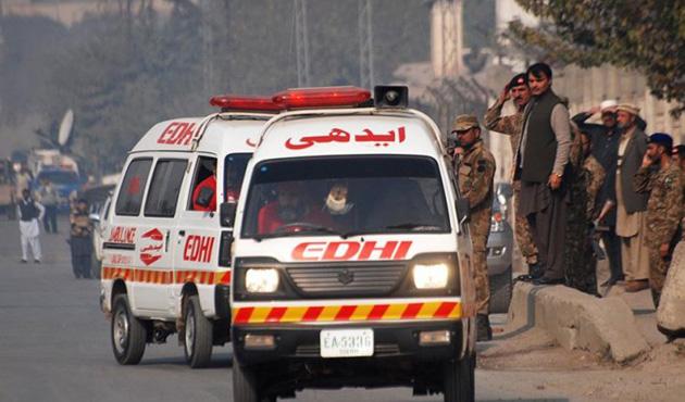 Pakistan'da hastaneye bombalı saldırı: 70 ölü