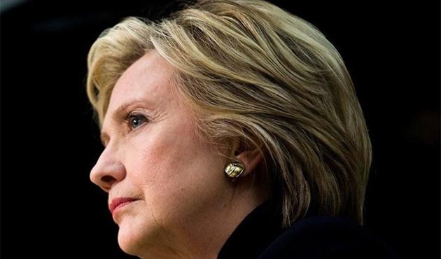 Bingazi'de ölen ABD'lilerin aileleri, Clinton'a dava açtı