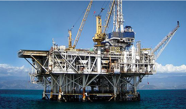 İran ve Çin Endonezya'da petrol tesisi kuruyor