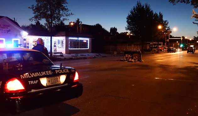 ABD'de siyahi genci vuran polis de Afro-Amerikan