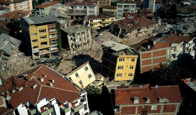 'Deprem olursa İstanbul'un yüzde 25'i yıkılacak'