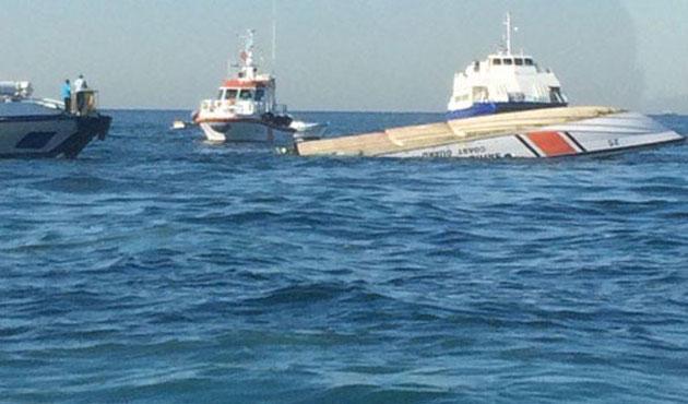 Sahil Güvenlik botu yük gemisiyle çarpıştı, üç kayıp