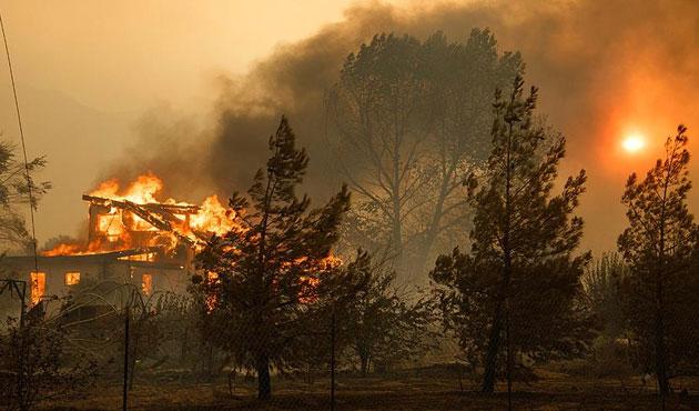 California'daki yangın yayılıyor