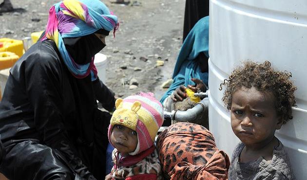 BAE'den Yemen'e yardım