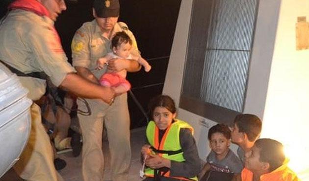 Darbecileri ararken Suriyelileri kurtardılar