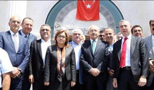 Kılıçdaroğlu'nu Gaziantep'te AK Partililer karşıladı
