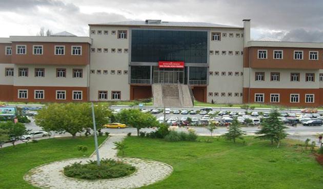 Isparta SDÜ'de 92 personel açığa alındı