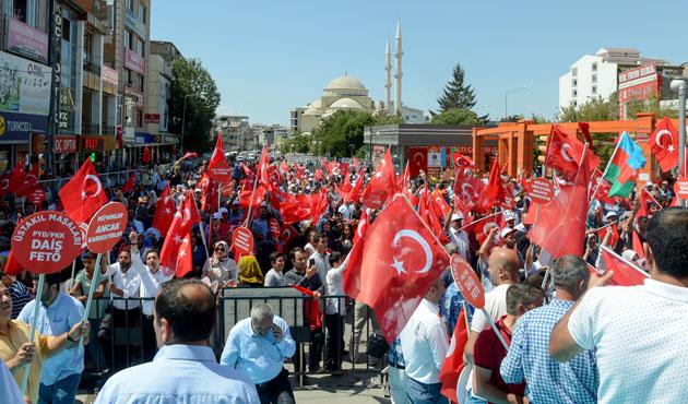 Van'da teröre protesto mitingi