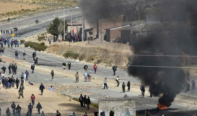 Bolivya'da madenciler bakan yardımcısını öldürdü